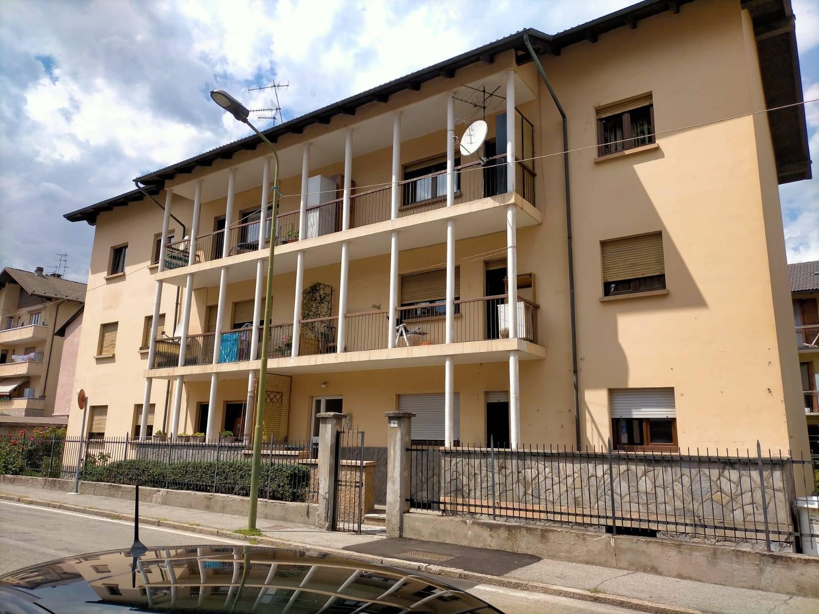 Appartamento in vendita a Aosta, 5 locali, zona Località: CENTRO CITTÀ, prezzo € 175.000 | CambioCasa.it
