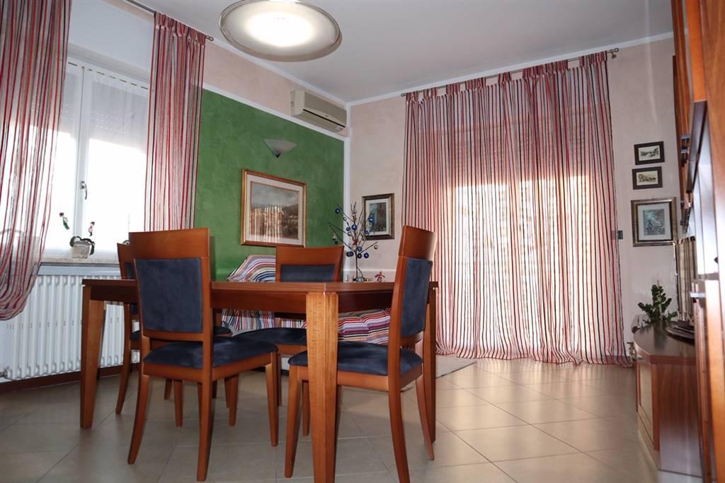 Appartamento in vendita a San Martino Buon Albergo, 5 locali, zona Località: BORGO DELLA VITTORIA, prezzo € 135.000   CambioCasa.it