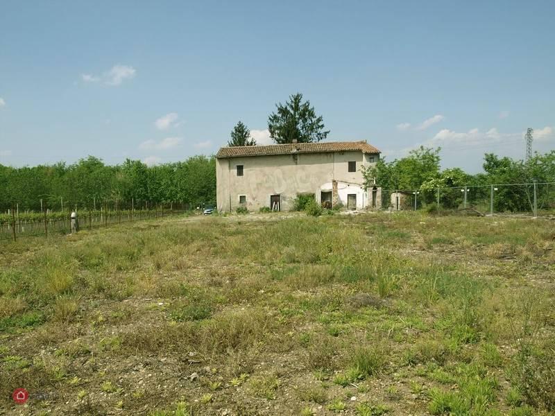 Rustico / Casale in vendita a San Martino Buon Albergo, 5 locali, zona Località: CASE NUOVE, prezzo € 300.000   CambioCasa.it