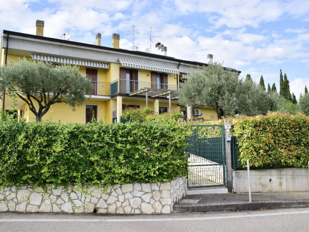 Villa a Schiera in vendita a Lavagno, 5 locali, zona Località: MONTECELLI, prezzo € 265.000   CambioCasa.it
