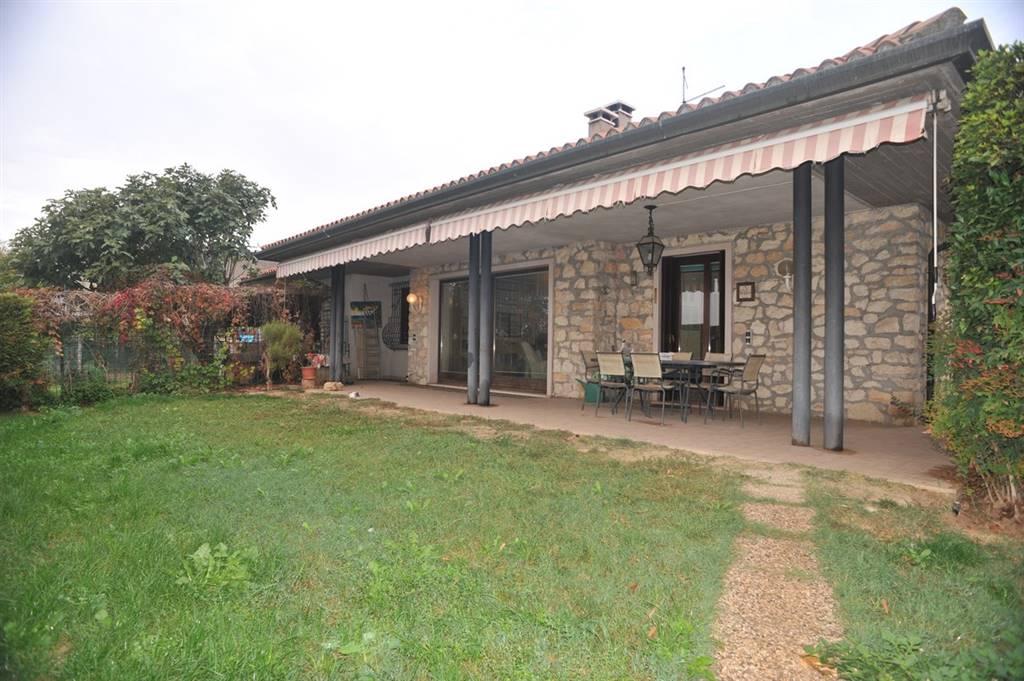 Villa in vendita a Soave, 10 locali, prezzo € 449.000 | CambioCasa.it