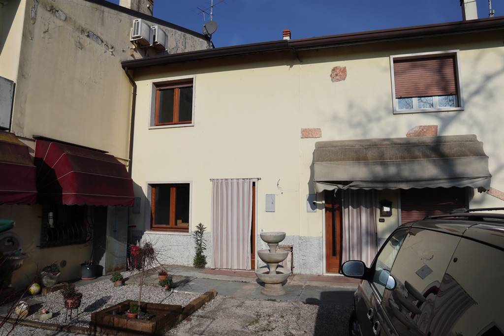 Ufficio / Studio in affitto a San Martino Buon Albergo, 4 locali, zona Località: CASE NUOVE, prezzo € 650   CambioCasa.it