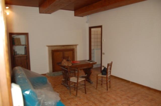 Appartamento in vendita a Orvieto, 3 locali, zona Zona: Sugano-Canonica, prezzo € 70.000 | CambioCasa.it