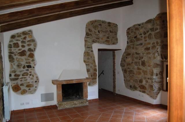 Appartamento in vendita a Baschi, 5 locali, prezzo € 85.000 | CambioCasa.it