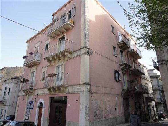 Trilocale, Centro, Ragusa, da ristrutturare