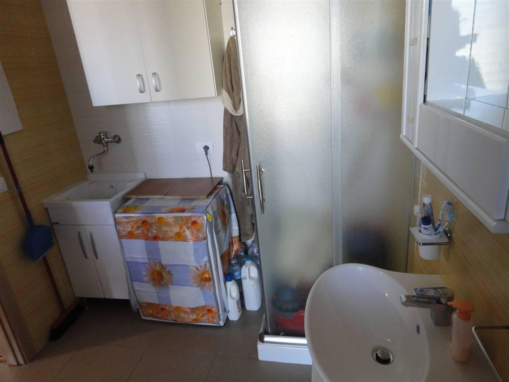 Doppio servizio lavanderia foto 3
