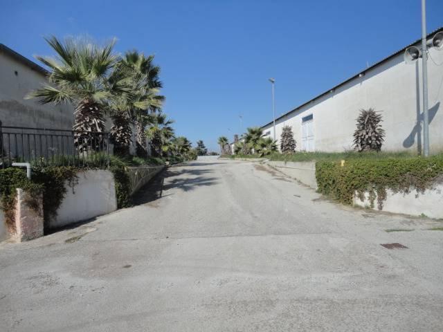 Capannone in affitto a Ragusa, 9999 locali, prezzo € 1.000 | CambioCasa.it