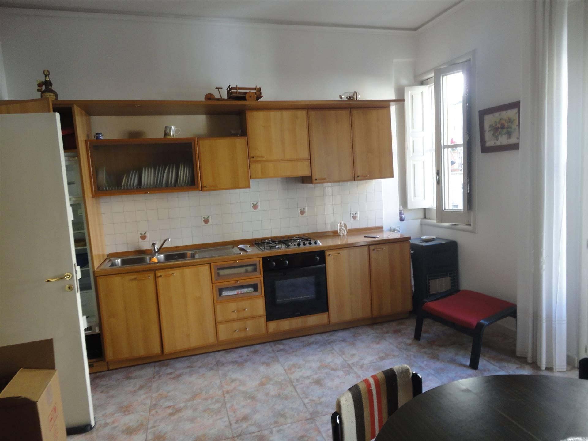 cucina-soggiorno primo piano
