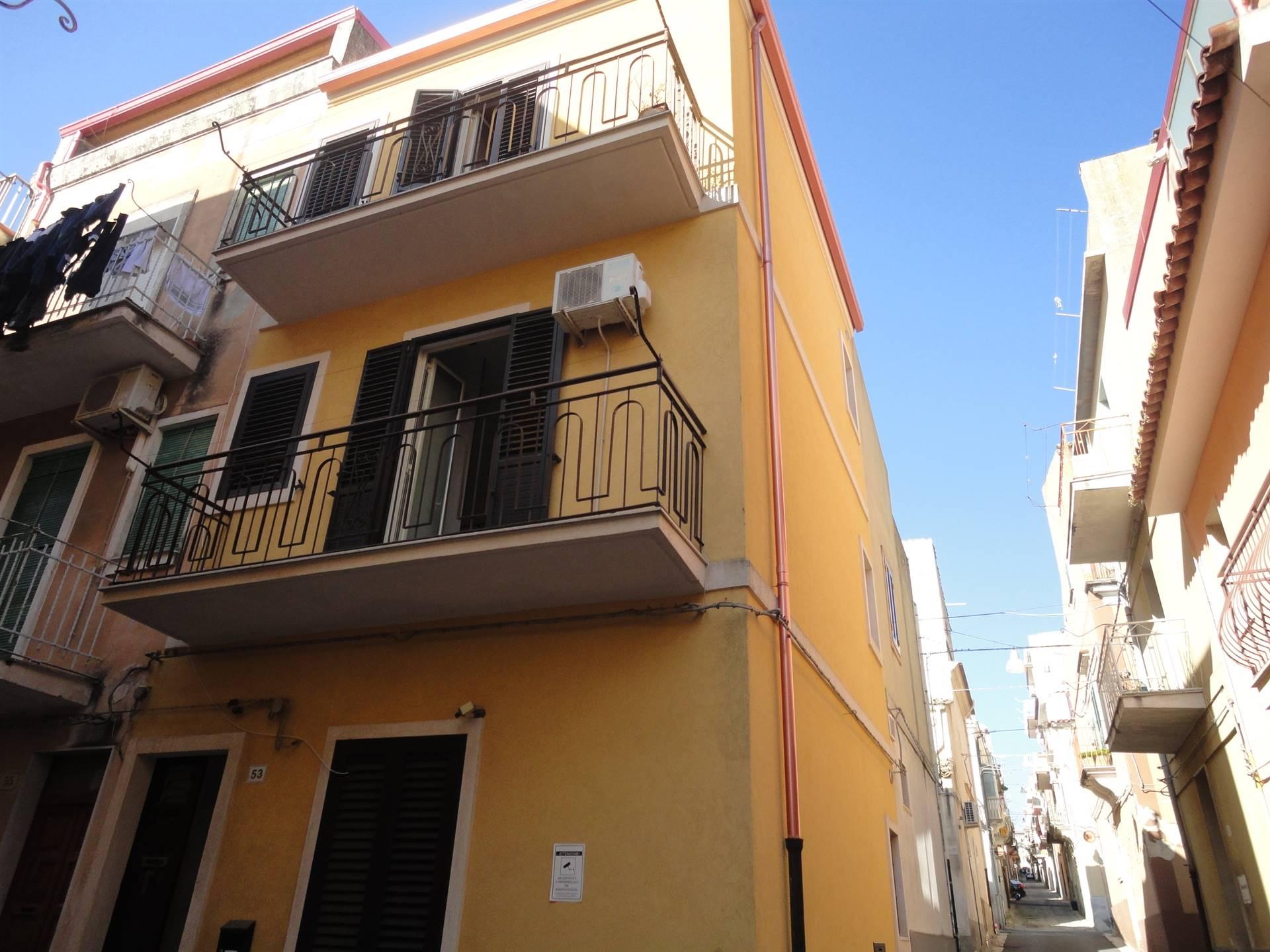 Appartamento in affitto a Ragusa, 1 locali, zona Zona: Centro, prezzo € 220 | CambioCasa.it