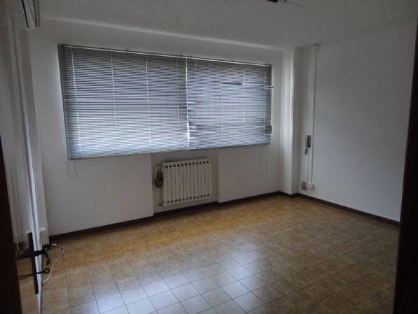Ufficio / Studio in affitto a Ragusa, 3 locali, prezzo € 340 | CambioCasa.it