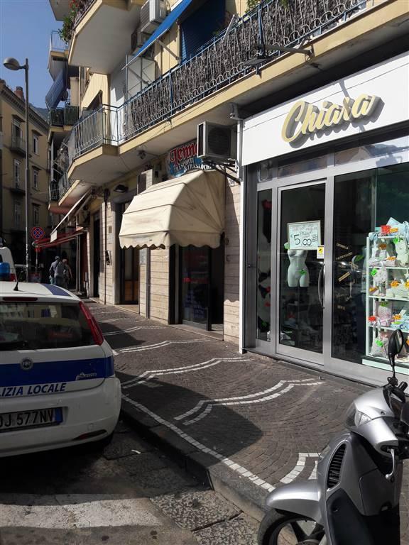 Negozio / Locale in affitto a Castellammare di Stabia, 1 locali, prezzo € 650 | CambioCasa.it