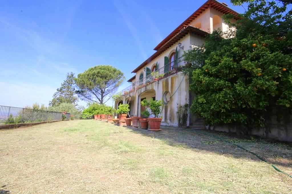 Villa in vendita a Lamporecchio, 30 locali, prezzo € 980.000 | CambioCasa.it