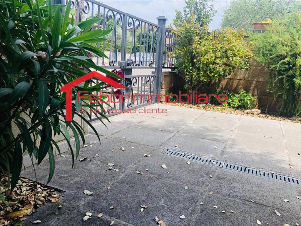 Villa, Follonica, abitabile