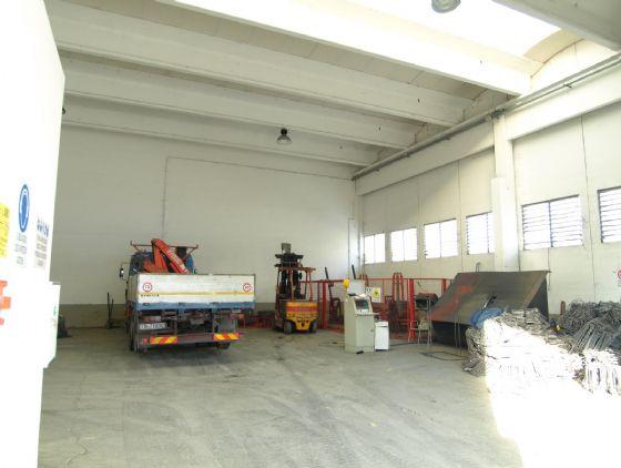 Capannone in vendita a Valsamoggia, 1 locali, zona Località: Crespellano, prezzo € 400.000 | CambioCasa.it
