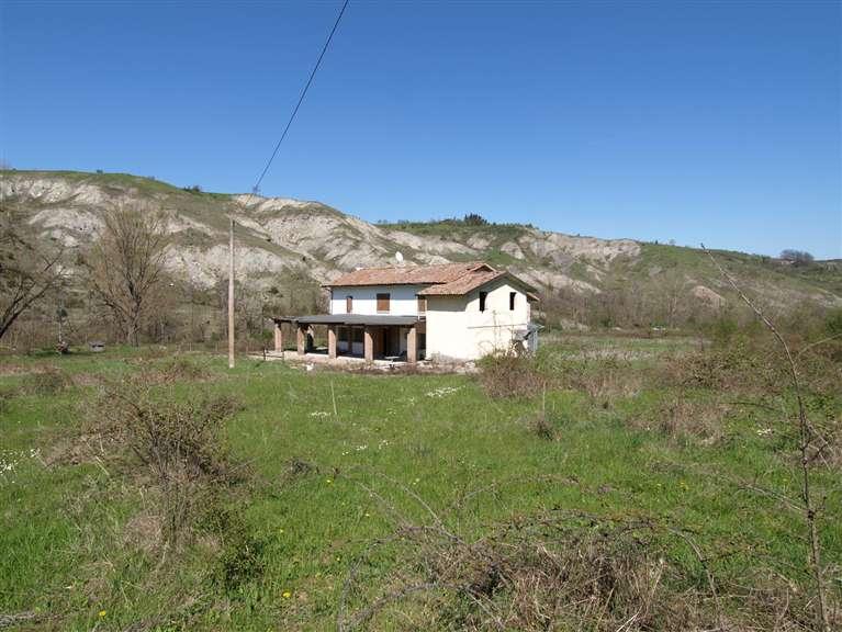 Rustico / Casale in vendita a Valsamoggia, 9 locali, zona Località: MERCATELLO, prezzo € 285.000 | CambioCasa.it