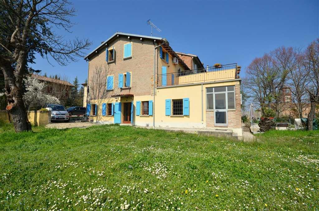 Soluzione Semindipendente in vendita a Valsamoggia, 6 locali, zona Località: Castello Di Serravalle, prezzo € 175.000 | CambioCasa.it