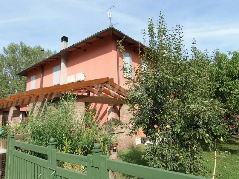 Villa Bifamiliare in vendita a Valsamoggia, 5 locali, zona Località: Crespellano, prezzo € 350.000 | CambioCasa.it
