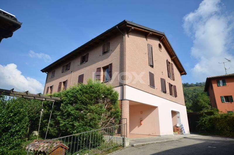 Appartamento in vendita a Valsamoggia, 3 locali, zona Località: BERSAGLIERA, prezzo € 96.000 | CambioCasa.it