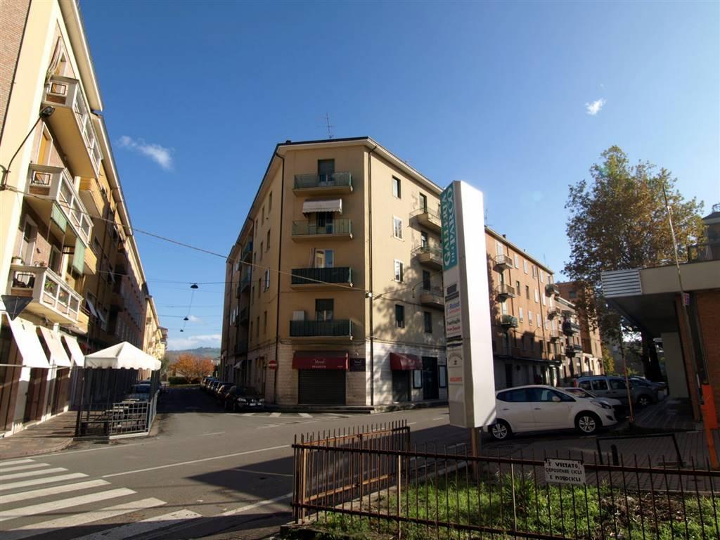 Negozio / Locale in affitto a Vignola, 2 locali, prezzo € 600 | CambioCasa.it