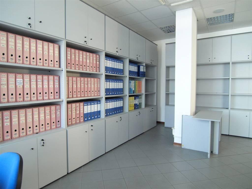 Ufficio / Studio in affitto a Savignano sul Panaro, 3 locali, zona Zona: Doccia, prezzo € 800 | CambioCasa.it