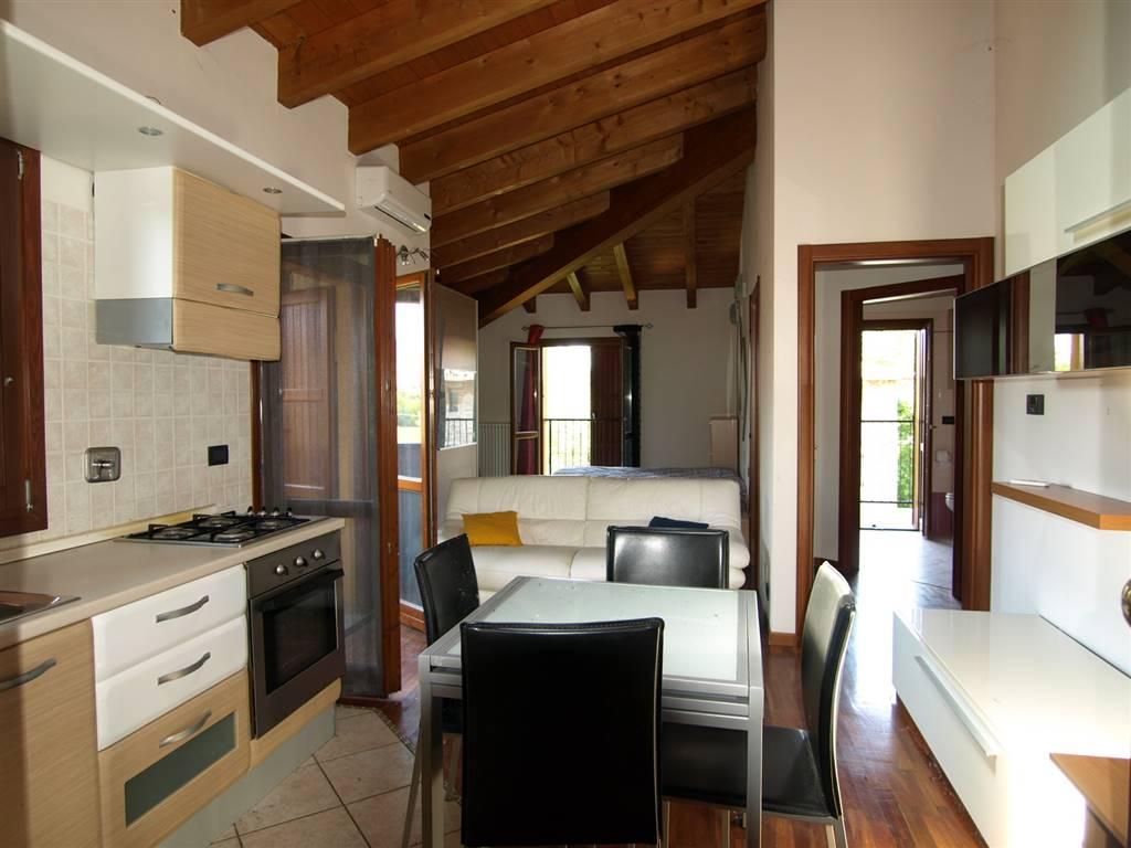 Appartamento in vendita a Valsamoggia, 2 locali, zona Località: MONTEVEGLIO, prezzo € 82.000 | CambioCasa.it