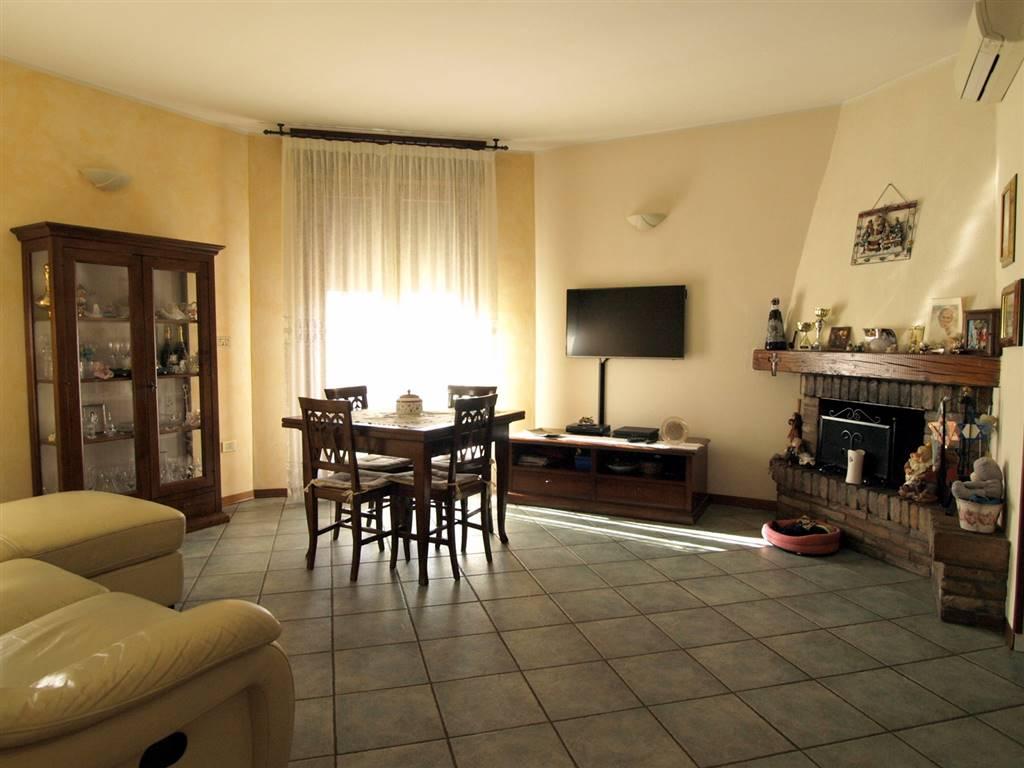 Appartamento in vendita a Valsamoggia, 5 locali, zona Località: CASTELLETTO, prezzo € 168.000 | CambioCasa.it