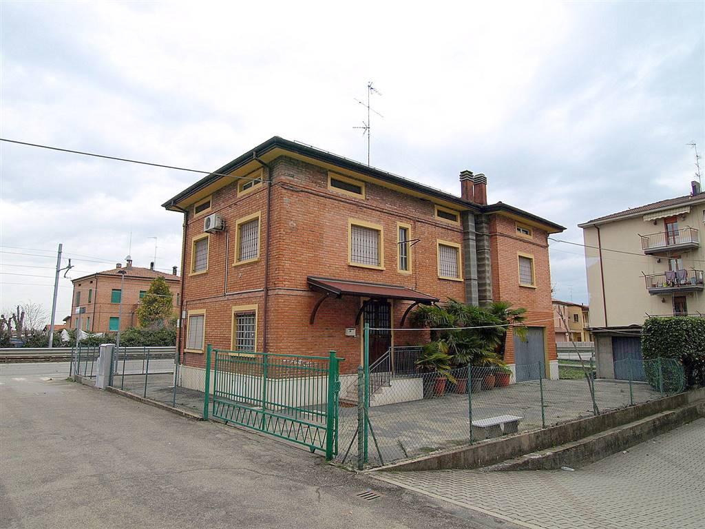 Villa in vendita a Valsamoggia, 8 locali, zona Località: BAZZANO, prezzo € 220.000 | CambioCasa.it