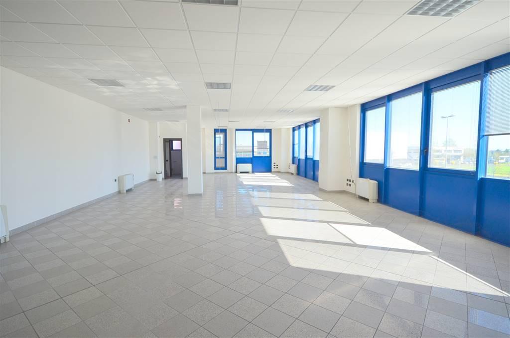 Ufficio / Studio in Affitto a Valsamoggia