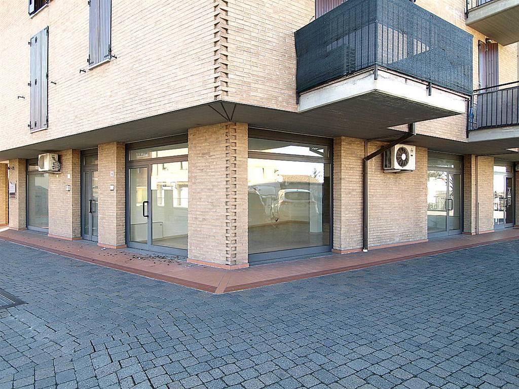 Negozio / Locale in affitto a Castelvetro di Modena, 2 locali, zona Zona: Ca' di Sola, prezzo € 470 | CambioCasa.it