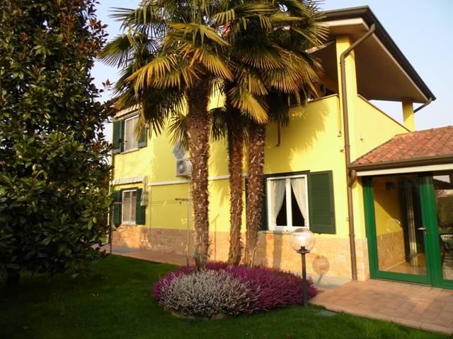 Villa in Via Manzoni 14/a, Vaprio D'adda