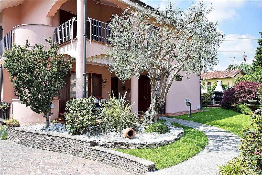Villa in vendita a Trezzo sull'Adda, 8 locali, prezzo € 560.000 | PortaleAgenzieImmobiliari.it