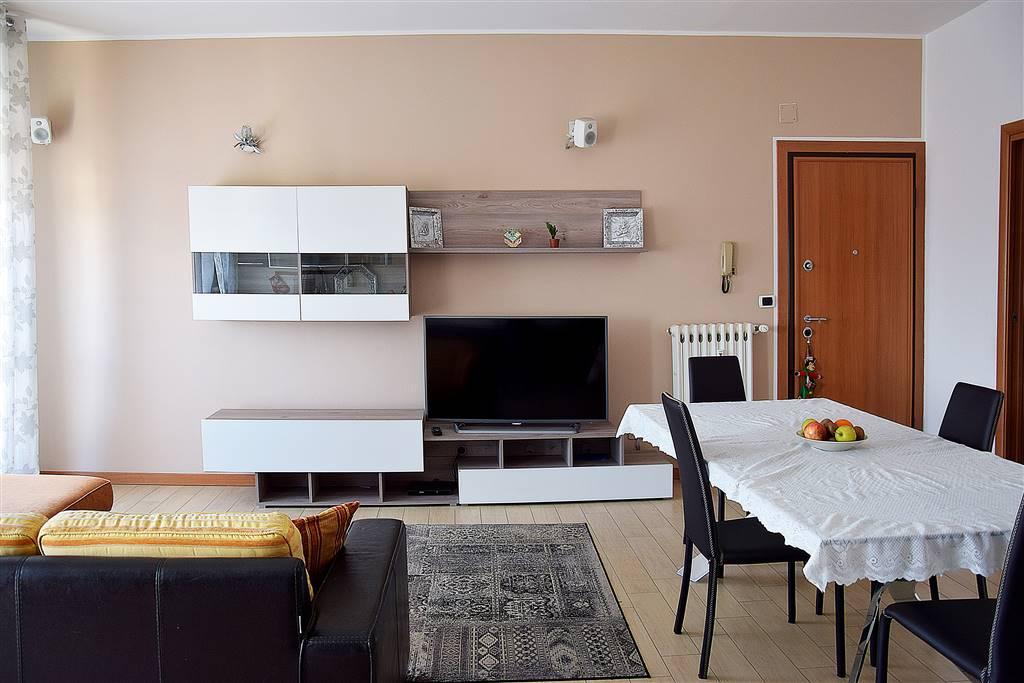Appartamento in vendita a Trezzo sull'Adda, 6 locali, prezzo € 115.000 | PortaleAgenzieImmobiliari.it