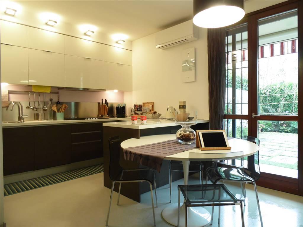 Zona pranzo e cucina