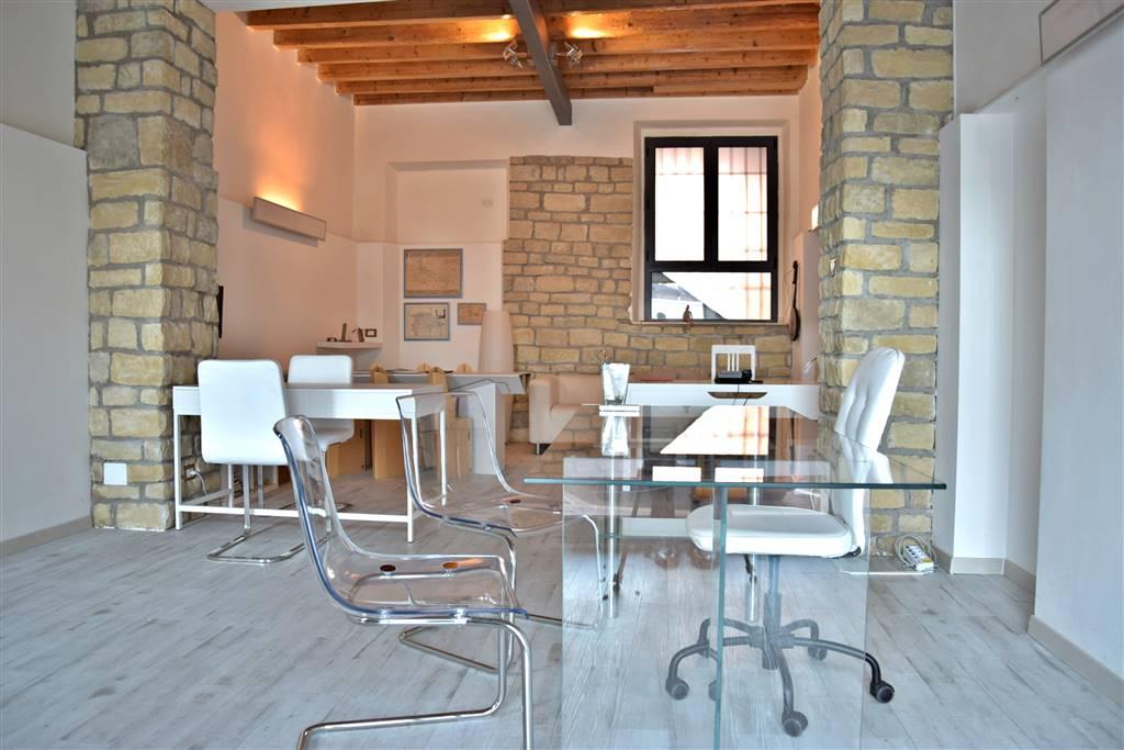 Ufficio / Studio in vendita a Vaprio d'Adda, 1 locali, prezzo € 47.500   PortaleAgenzieImmobiliari.it
