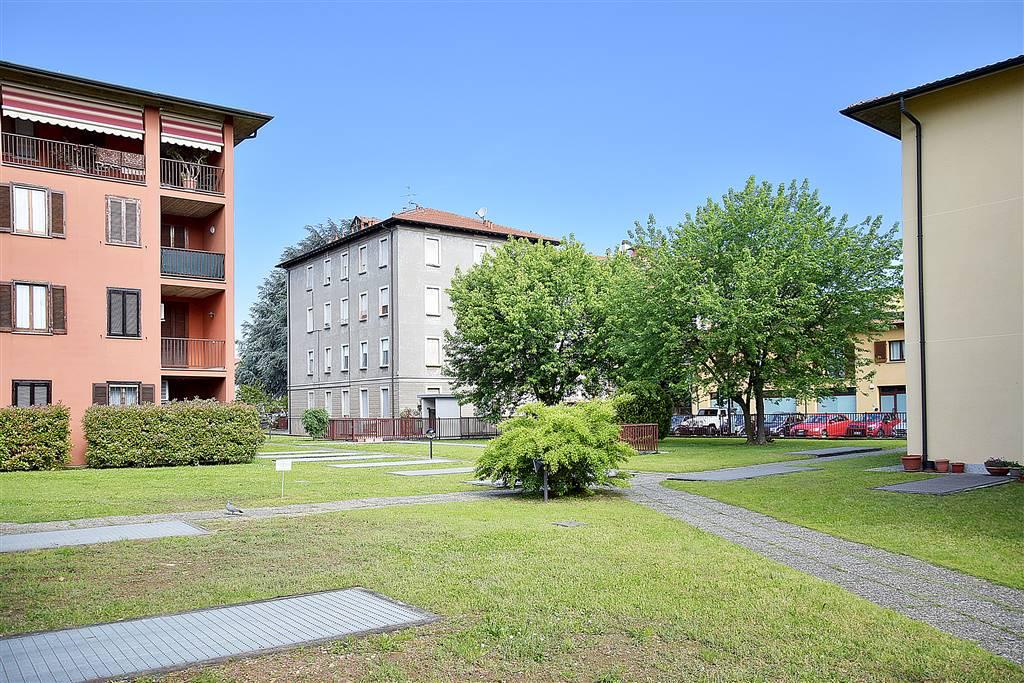 Trilocale in Via F. Guarnerio 5, Trezzo Sull'adda
