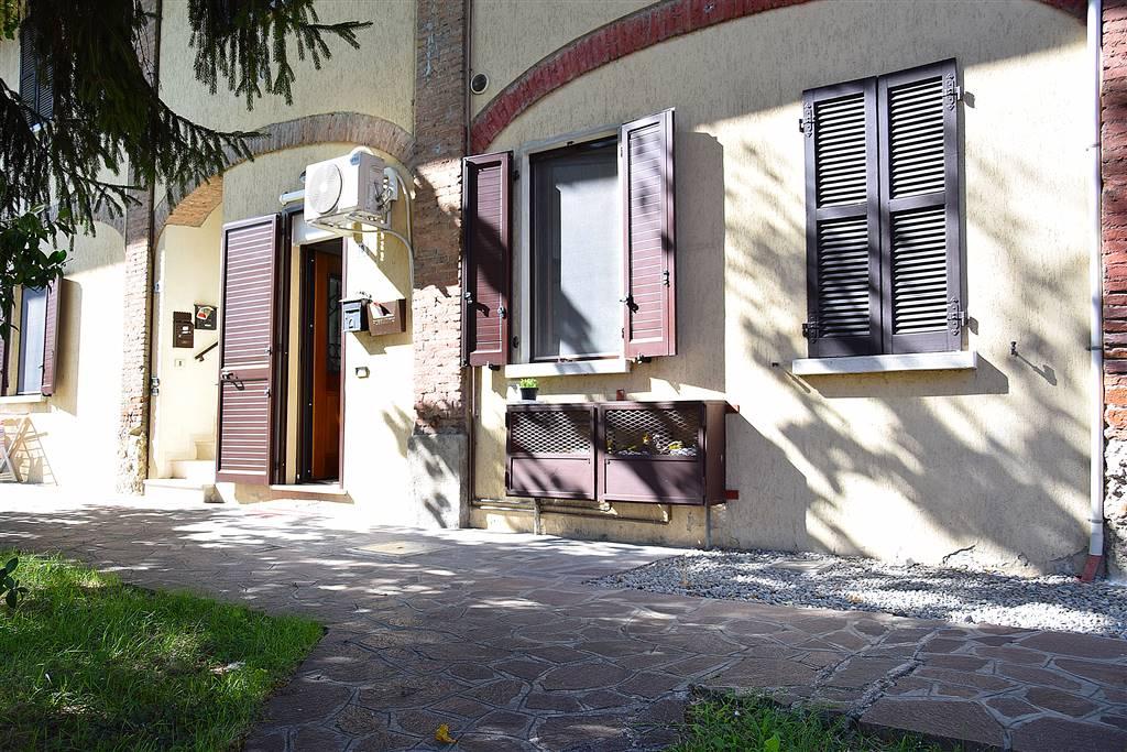 Bilocale in Piazza Don Todeschini  10, Brembate