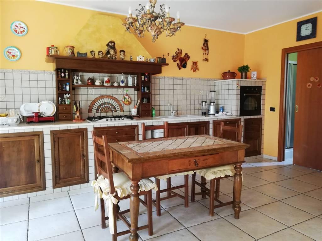 Appartamento in vendita a Vaprio d'Adda, 5 locali, prezzo € 360.000 | PortaleAgenzieImmobiliari.it