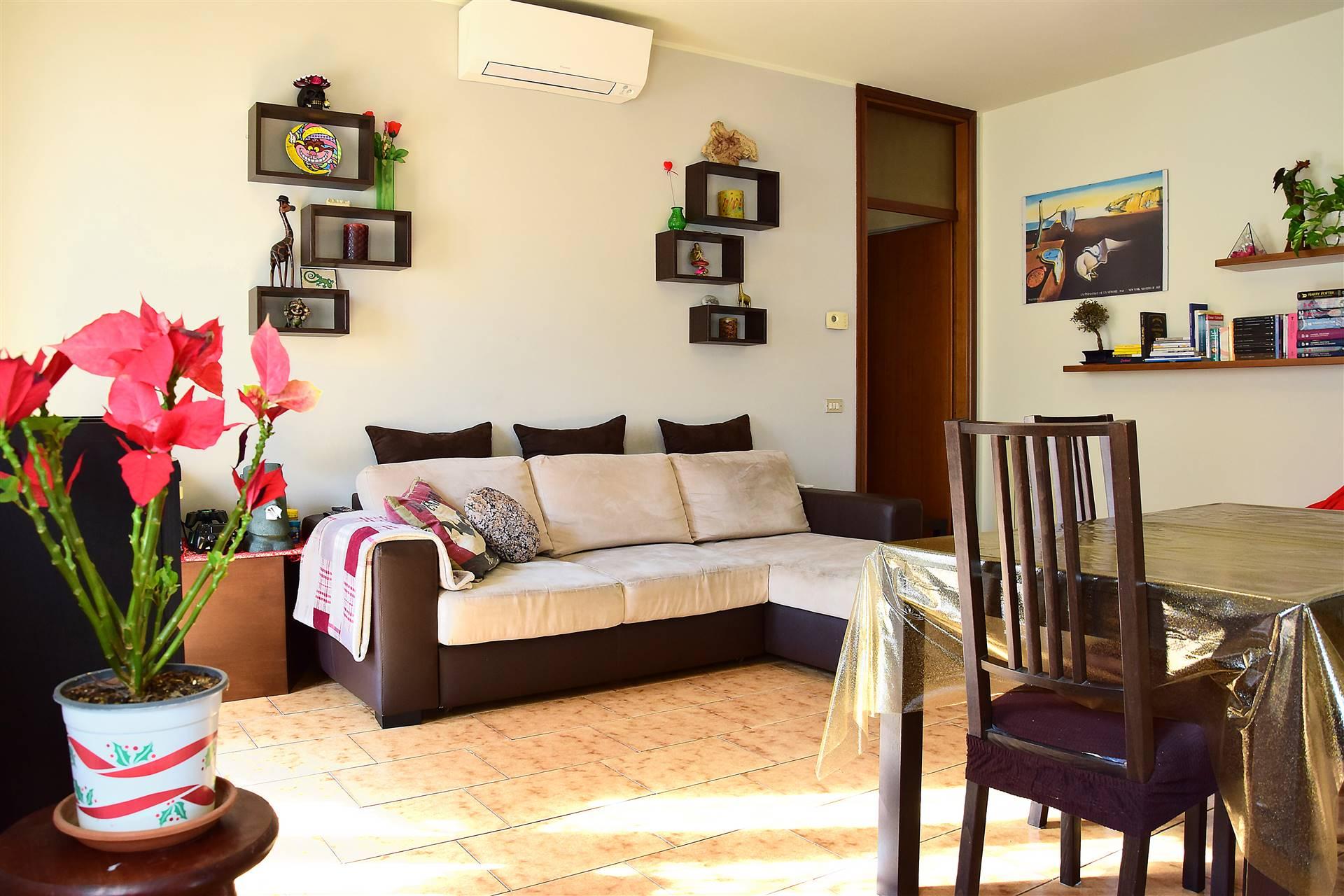 Appartamento in vendita a Trezzo sull'Adda, 3 locali, prezzo € 120.000   PortaleAgenzieImmobiliari.it
