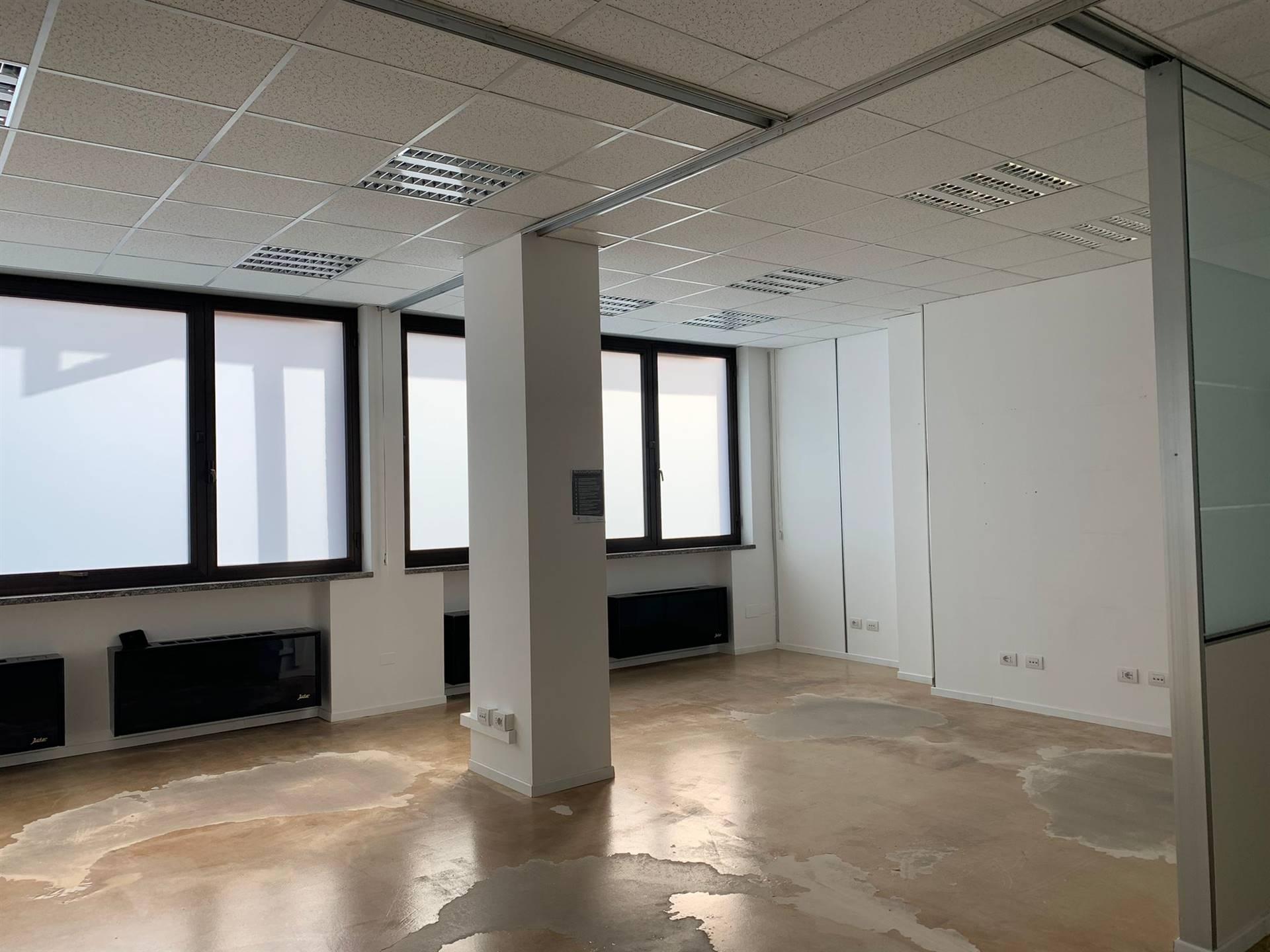 Ufficio / Studio in affitto a Trezzo sull'Adda, 5 locali, prezzo € 1.400 | PortaleAgenzieImmobiliari.it