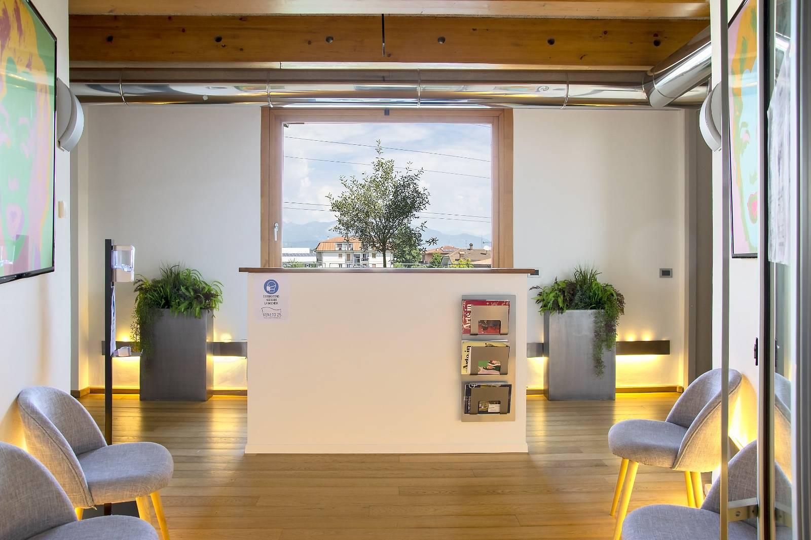 Ufficio / Studio in affitto a Brembate, 1 locali, prezzo € 400   PortaleAgenzieImmobiliari.it