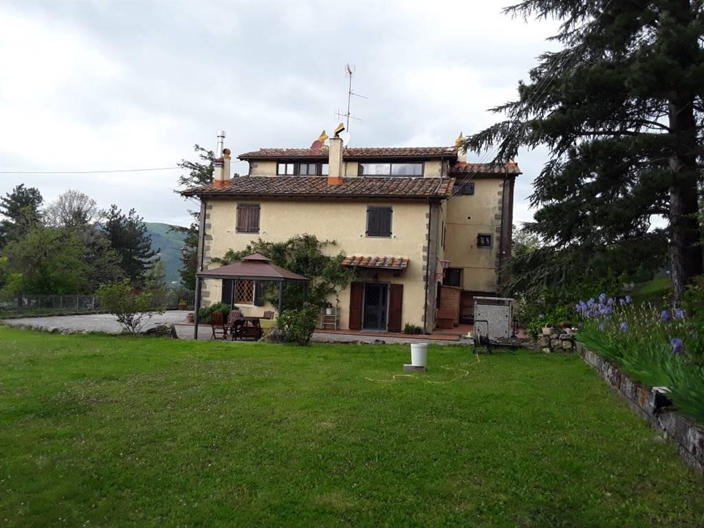Appartamento in vendita a Barberino di Mugello, 5 locali, zona Zona: Montecarelli, prezzo € 320.000   CambioCasa.it