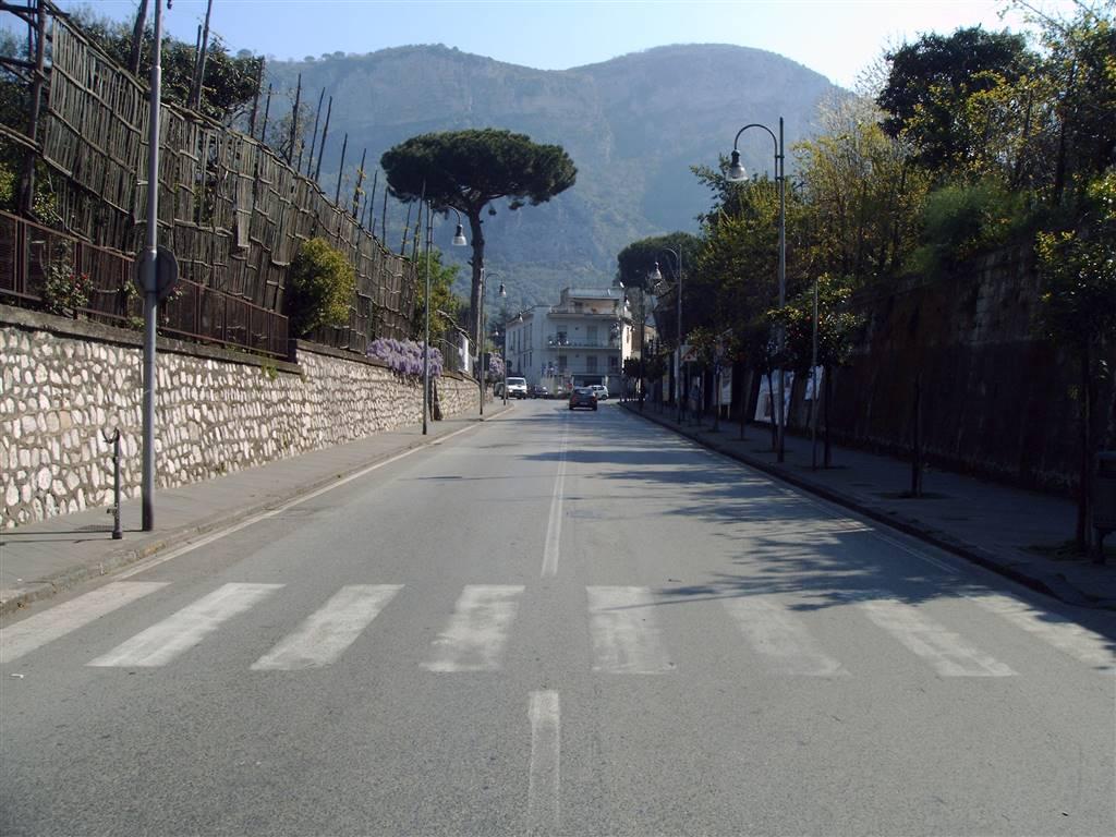 Negozio Locale Piano Di Sorrento Vendita 290 000 75 Mq Doppi Cambiocasa It