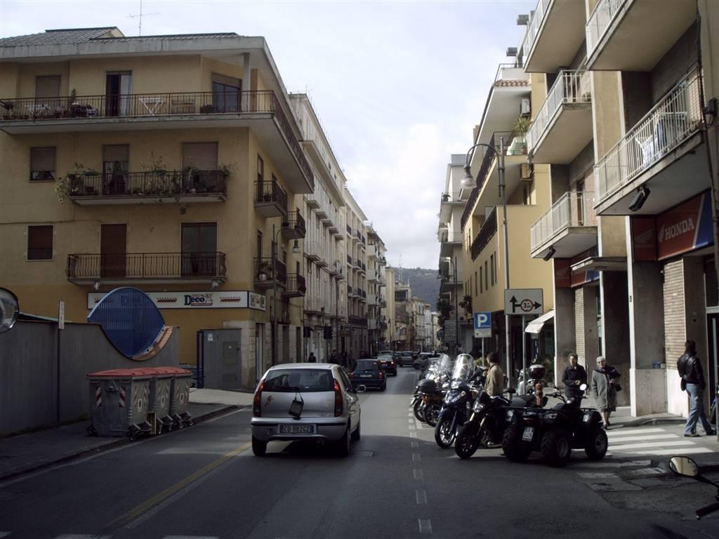 Negozio / Locale in vendita a Piano di Sorrento, 9999 locali, prezzo € 290.000 | CambioCasa.it