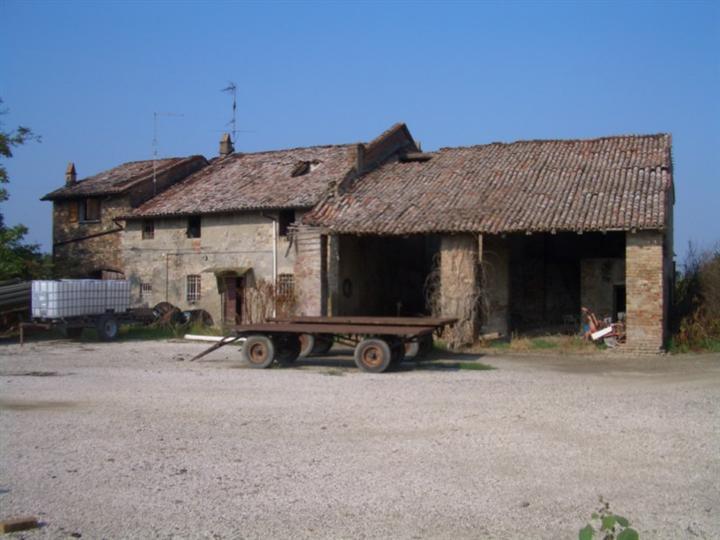 Rustico casale, Muradello, Pontenure, da ristrutturare