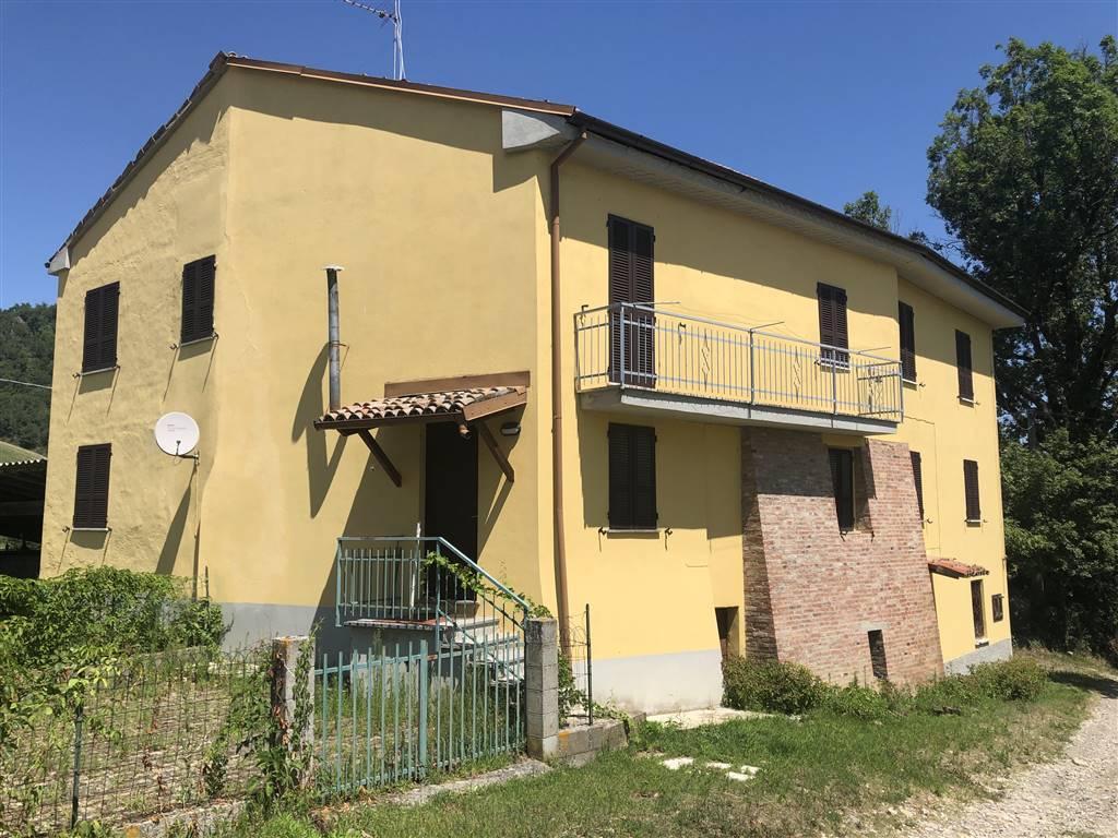 Casa singola, Roccapulzana, Pianello Val Tidone, da ristrutturare