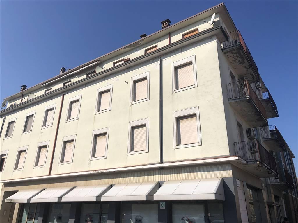 Ufficio / Studio in vendita a Cadeo, 7 locali, zona leto, prezzo € 150.000 | PortaleAgenzieImmobiliari.it