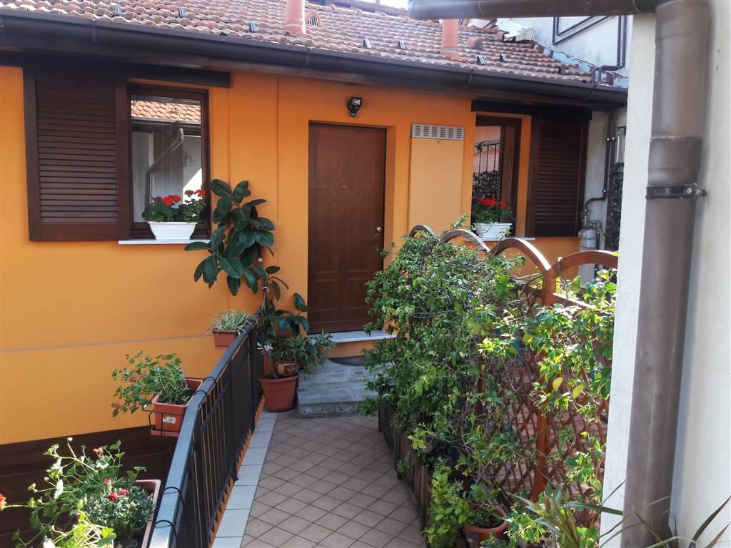 Appartamento in vendita a Caronno Varesino, 5 locali, prezzo € 133.000 | PortaleAgenzieImmobiliari.it