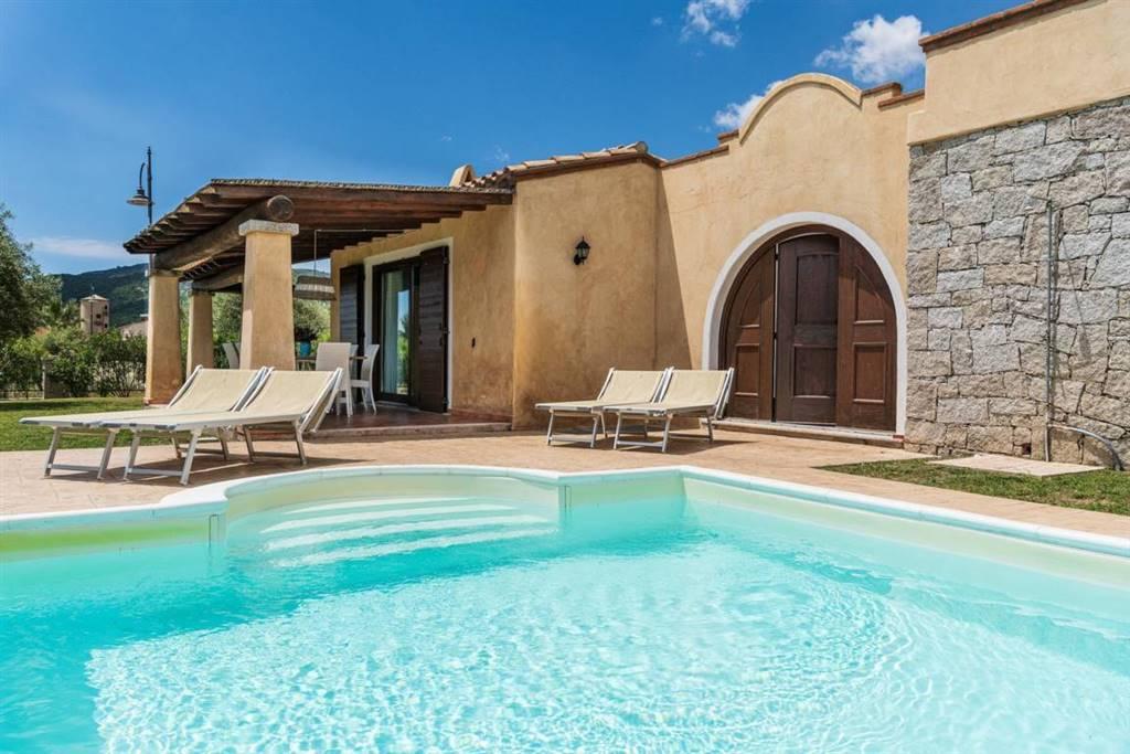 Villa in vendita a Castiadas, 7 locali, prezzo € 650.000 | CambioCasa.it