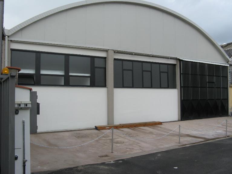 Immobile Commerciale in vendita a Signa, 9999 locali, prezzo € 520.000 | CambioCasa.it