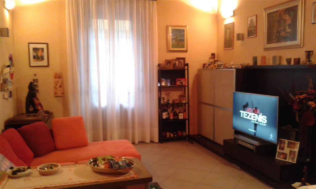 Appartamento in vendita a Signa, 4 locali, prezzo € 180.000 | CambioCasa.it